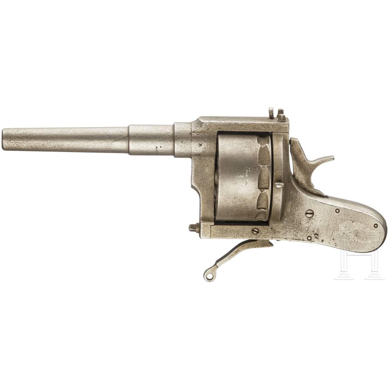 A ship revolver, circa 1900