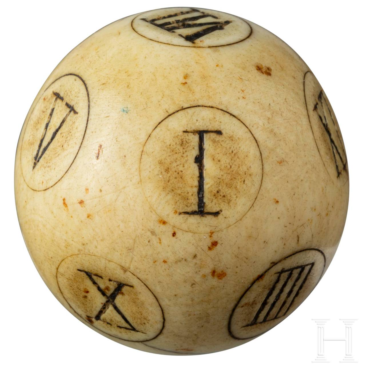 A rare English Baroque ivory teetotum puzzle ball with Roman numbers from I to XII, 18th century