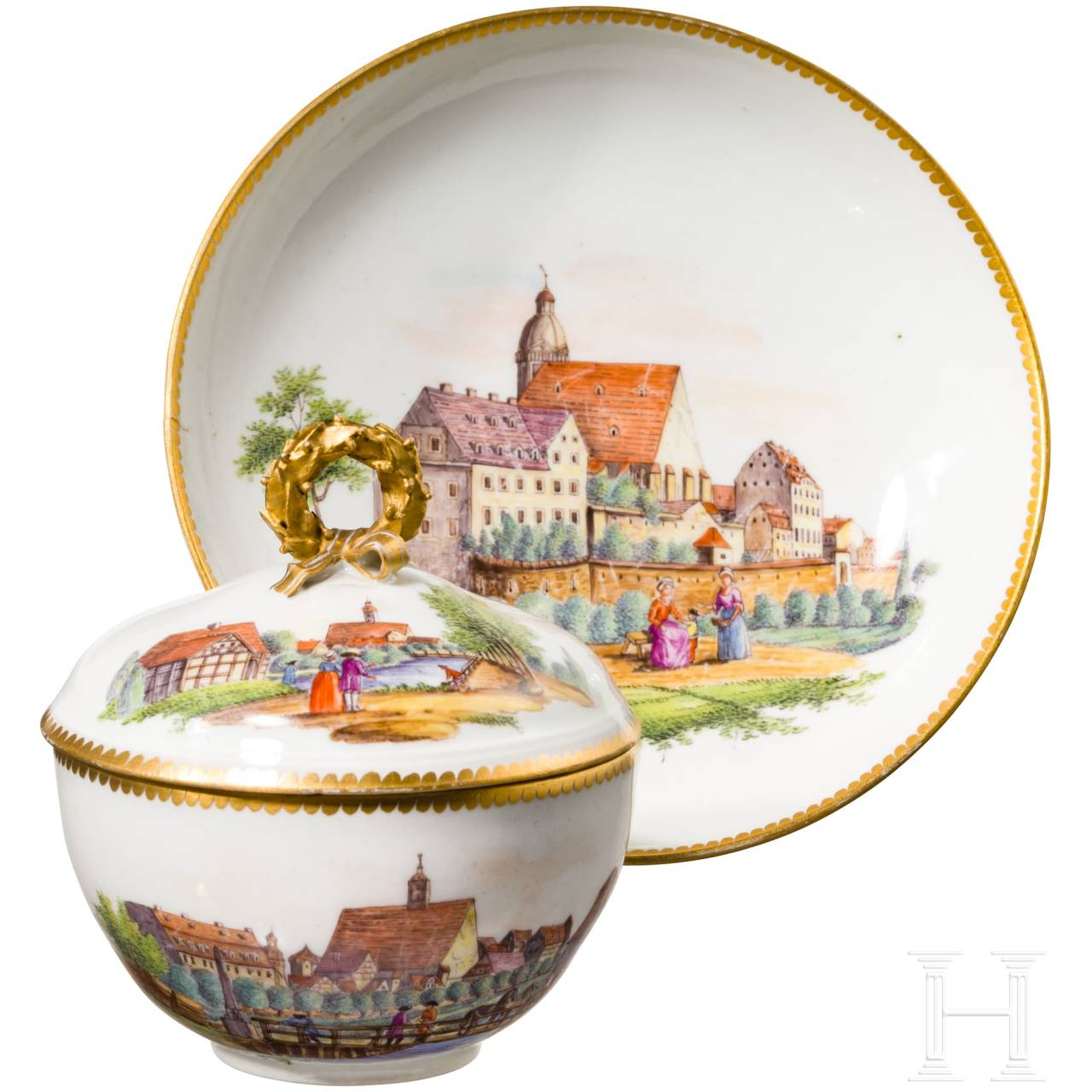 Porcelain cup with lid and saucer, finely painted cityscapes with people, Meissen, probably around 1800