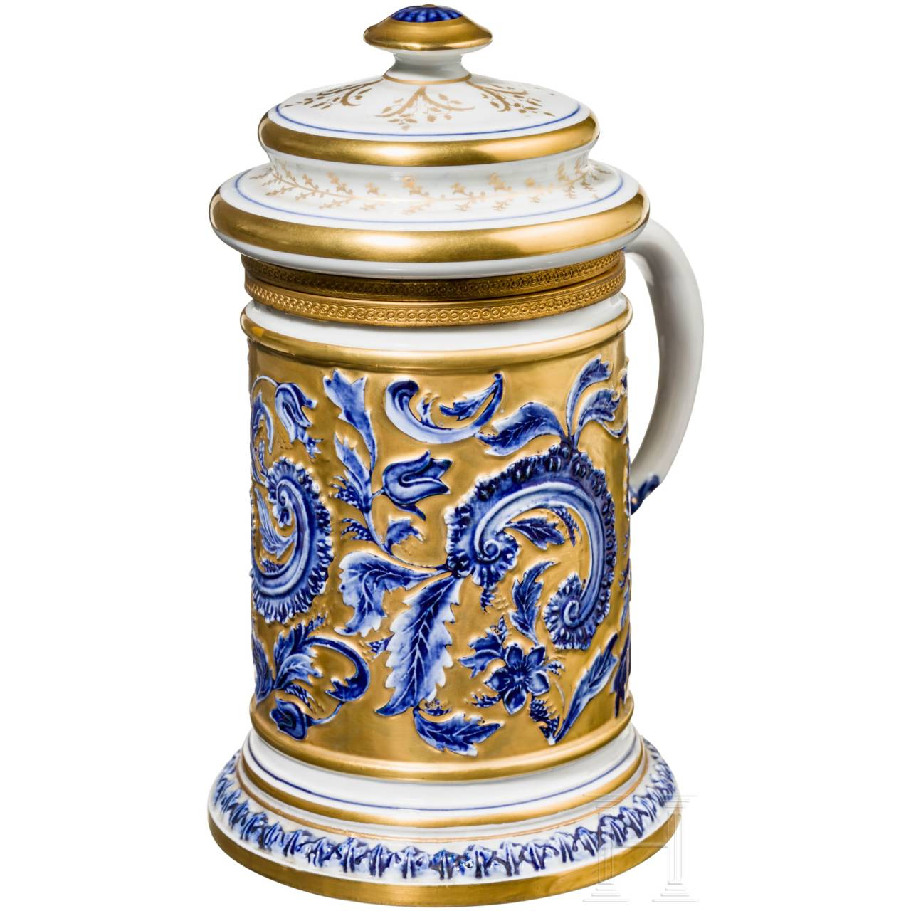 A large and magnificent French jug with porcelain lid, Sèvres, 19th century