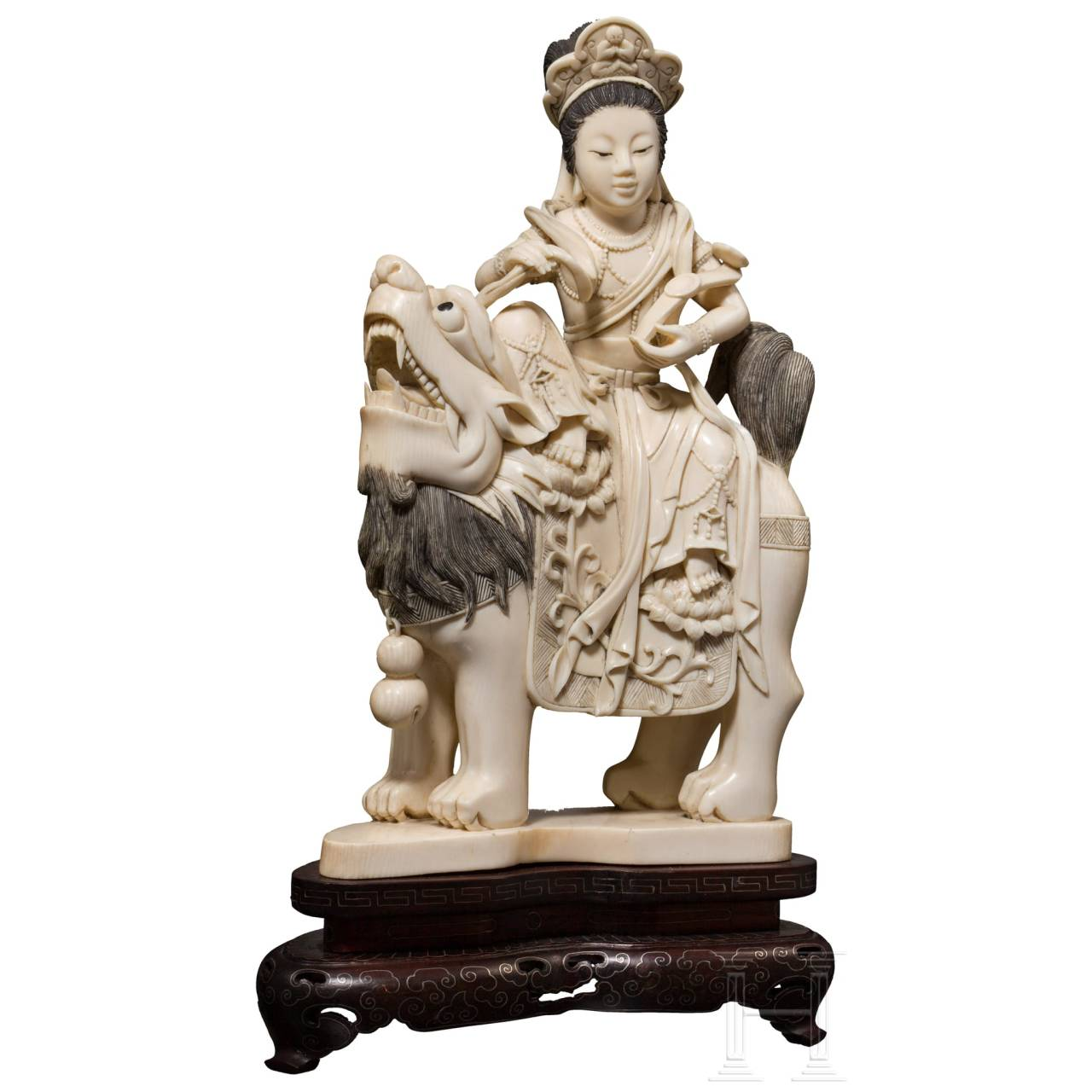 A carved Chinese ivory figurine, ca. 1930