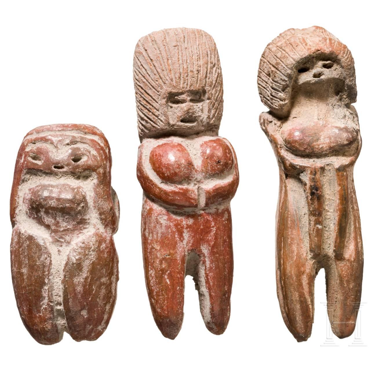 Three Ecuadorian female Valdivia figures, circa 2500 – 2000 B.C.
