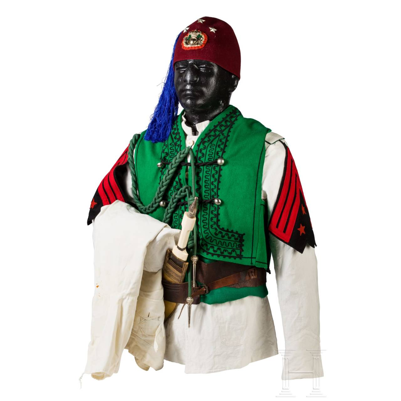 A uniform ensemble for a sciumbasci of the Italian colonial cavalry, before 1946