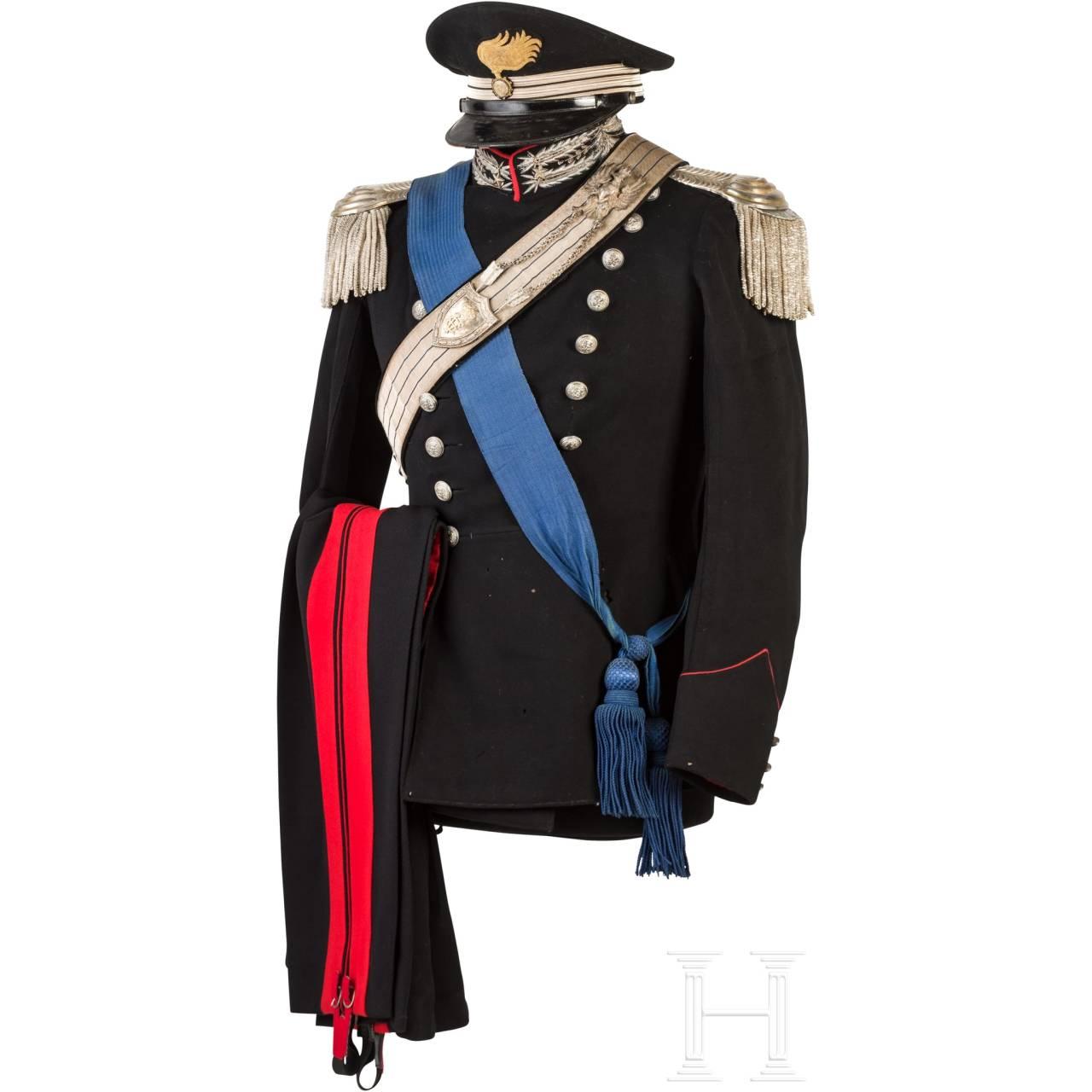 A uniform M 34 for Carabinieri officers