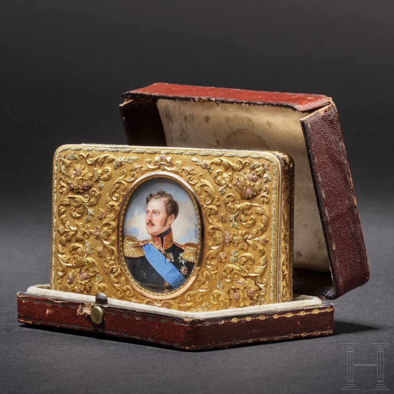 A splendid gold snuffbox with the miniature portrait of Tsar Nicholas I, personal gift from the Tsar, master of miniatures Ivan Winberg (1798 – 1851), Russia, circa 1825/35