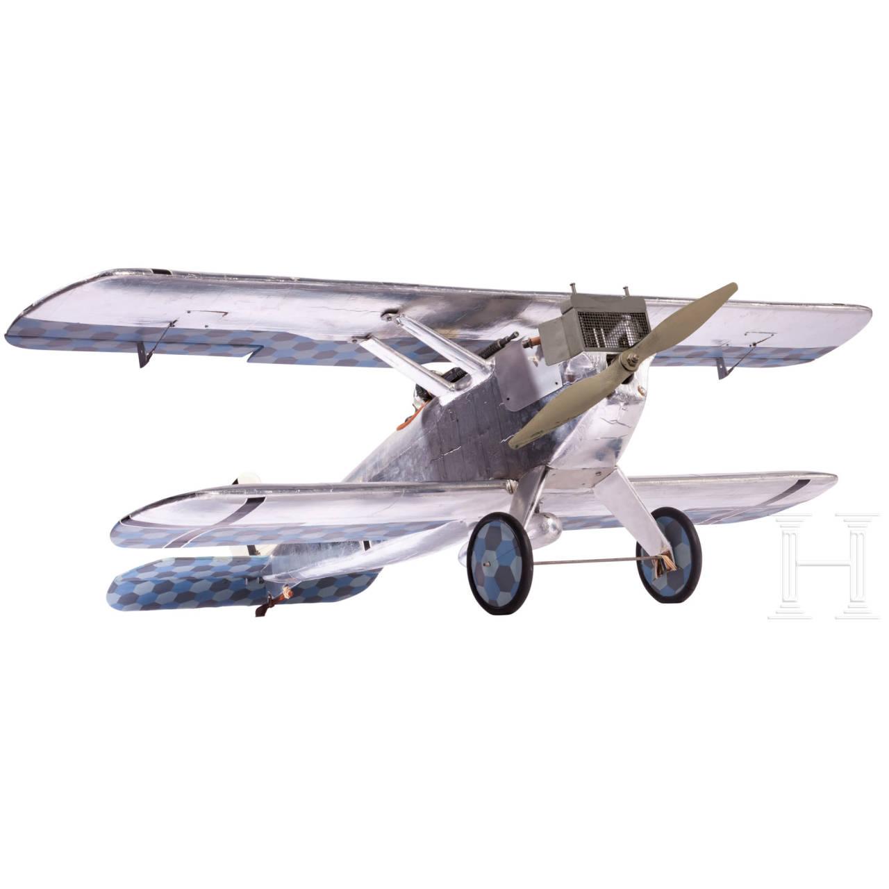 Detailliertes Modell einer Dornier Zeppelin D.I