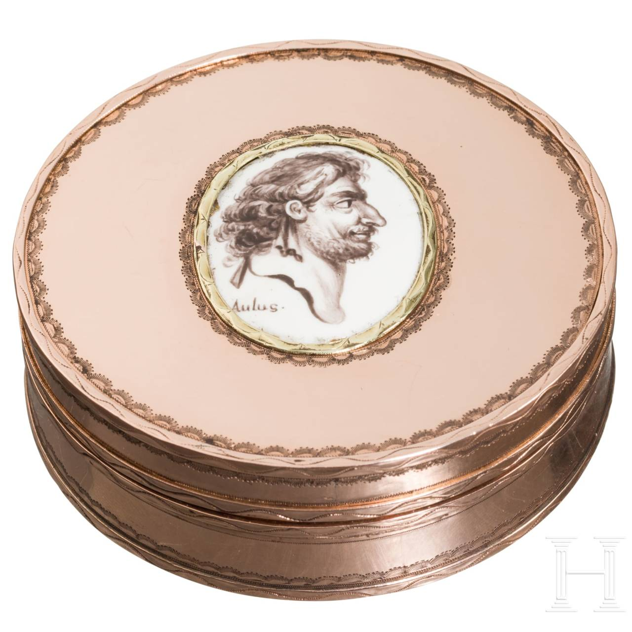 A French courtly pillbox with a portrait of the physician Aulus Cornelius Celsus, 18th century, from the estate of the grand dukes of Baden-Baden