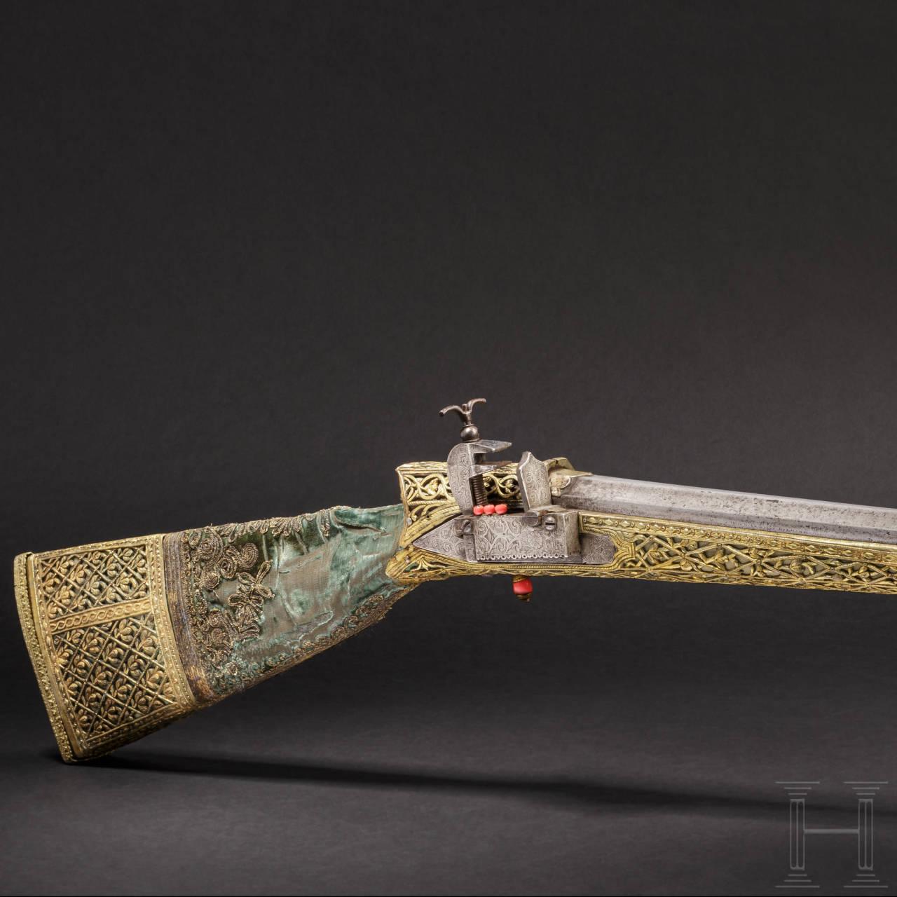 Bedeutende Luxus-Miquelet-Flinte mit Montierung aus vergoldetem Silber, osmanisch, um 1780