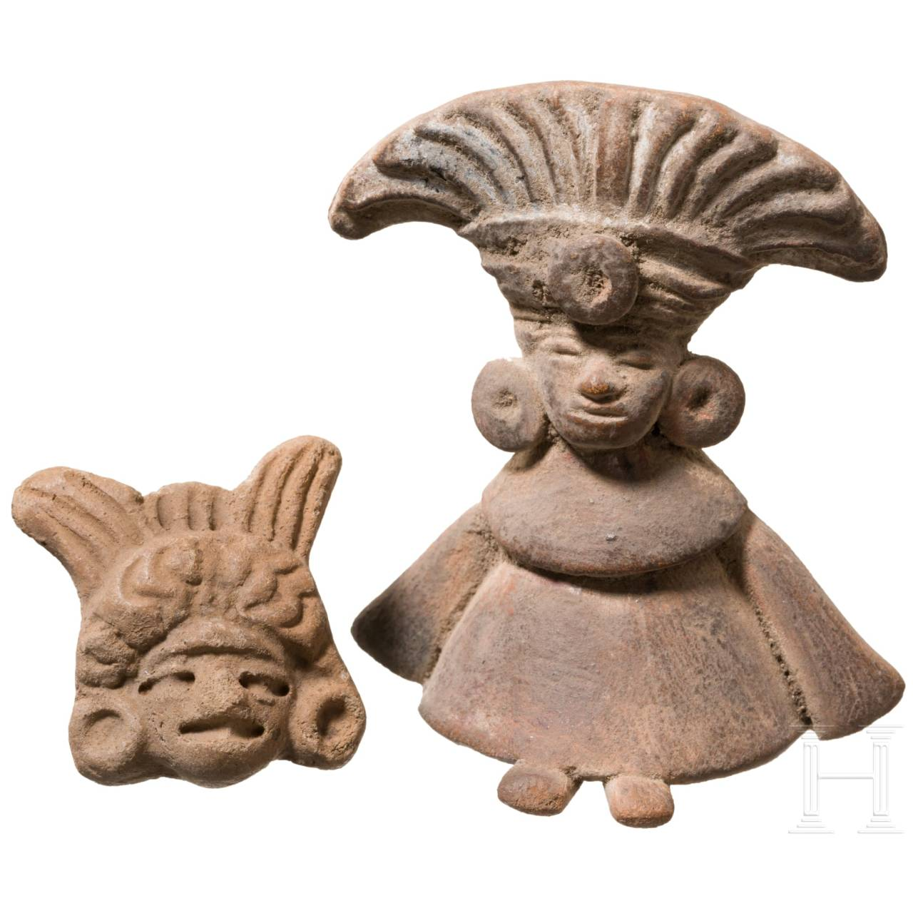 A Central American terracotta figure and an applike, circa 500 – 1500