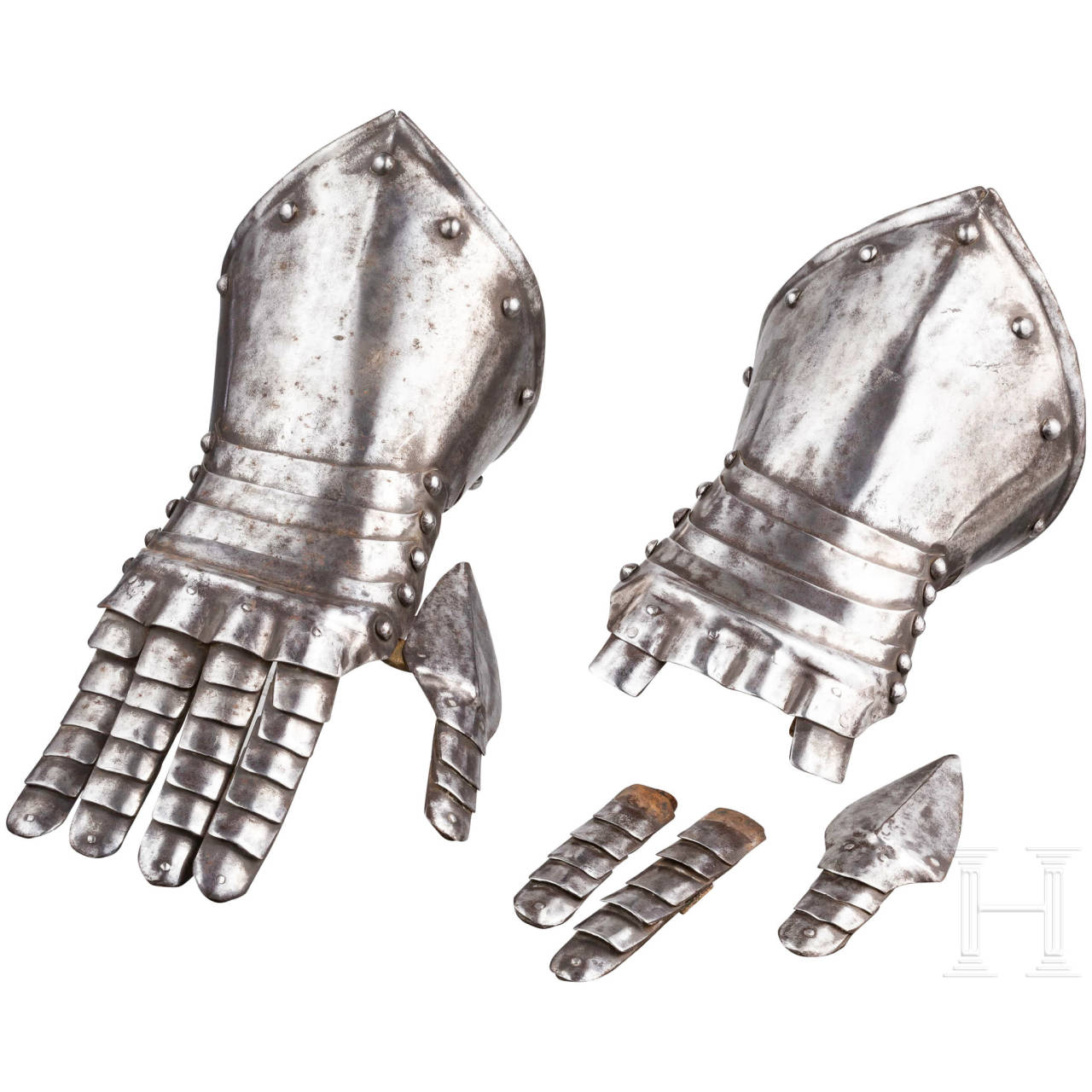 A pair of fingered gauntlets, Historicism in the style of the 17th century