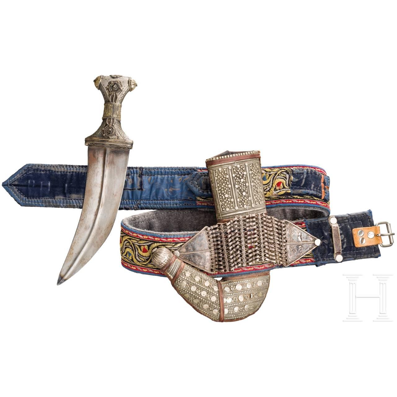 Silbermontierte Djambia mit Gürtel, Jemen (?), 20. Jhdt.