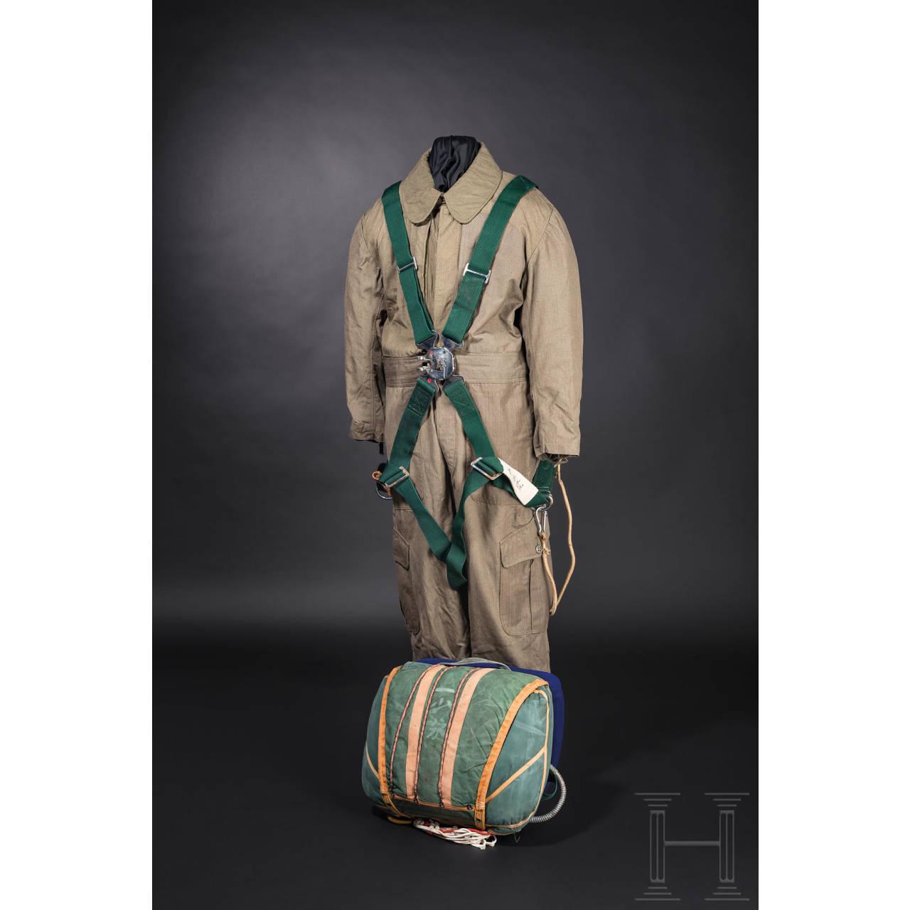 Uniform- und Ausrüstungsensemble eines Piloten der japanischen Armee im 2. Weltkrieg