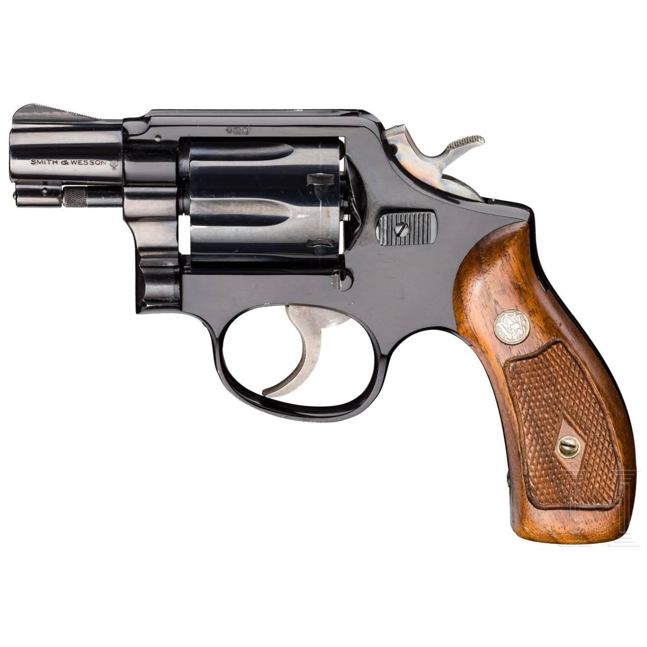 """Smith & Wesson Mod. 12, """"The .38 M & P Airweight"""", mit Tasche und Fabrikbrief, Luftwaffe"""