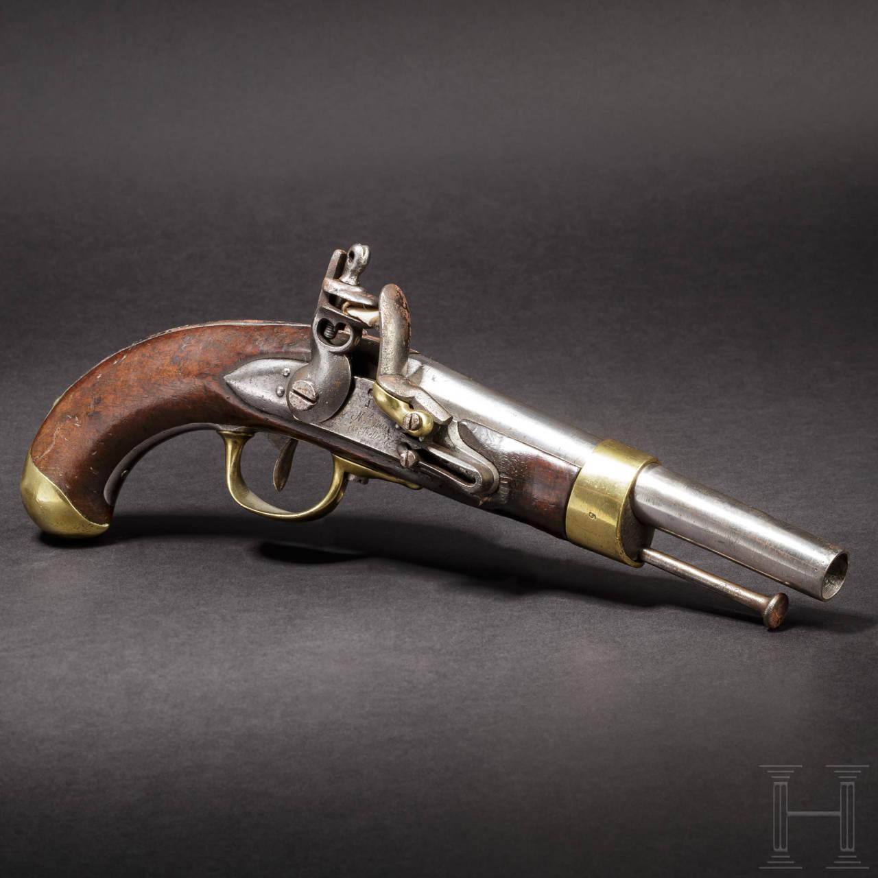 A flintlock pistol M an 13