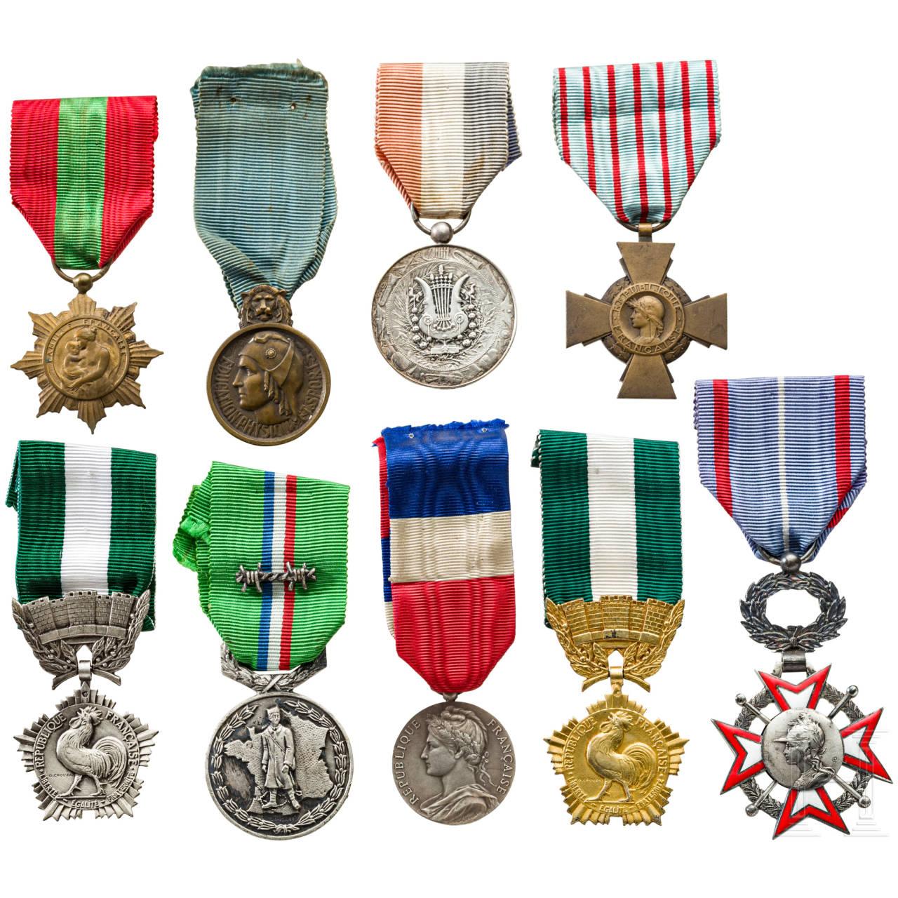 Neun Auszeichnungen, Frankreich, 20. Jhdt.