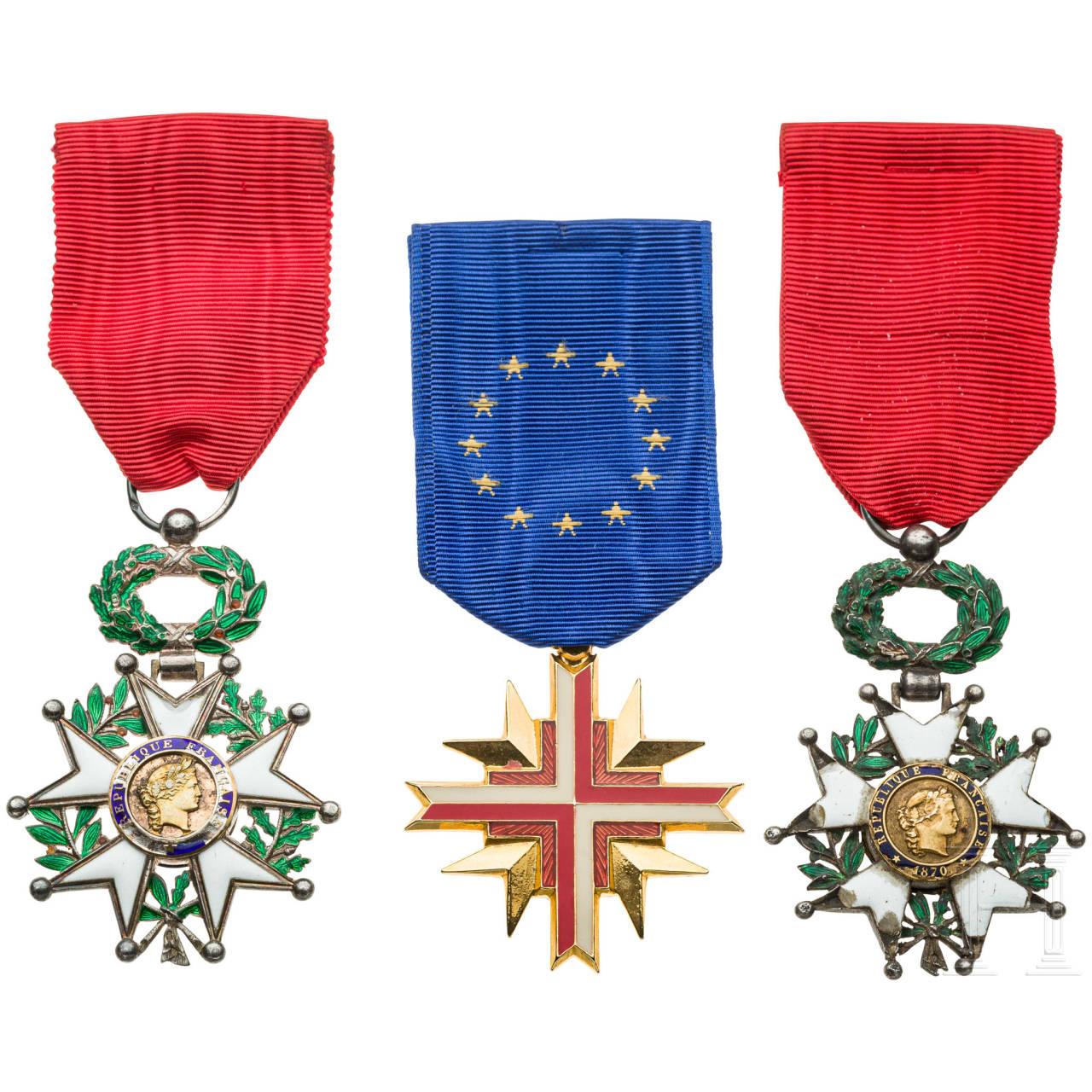 Three awards, France, 20th century