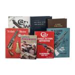 Sieben Bücher zum Thema Colt Model 1873 SAA