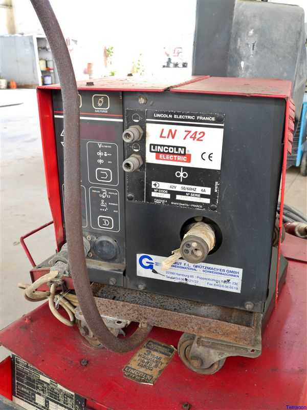 lot 37 lincoln electric idealarc cv mig welding machine with lincoln ln742 wire feed
