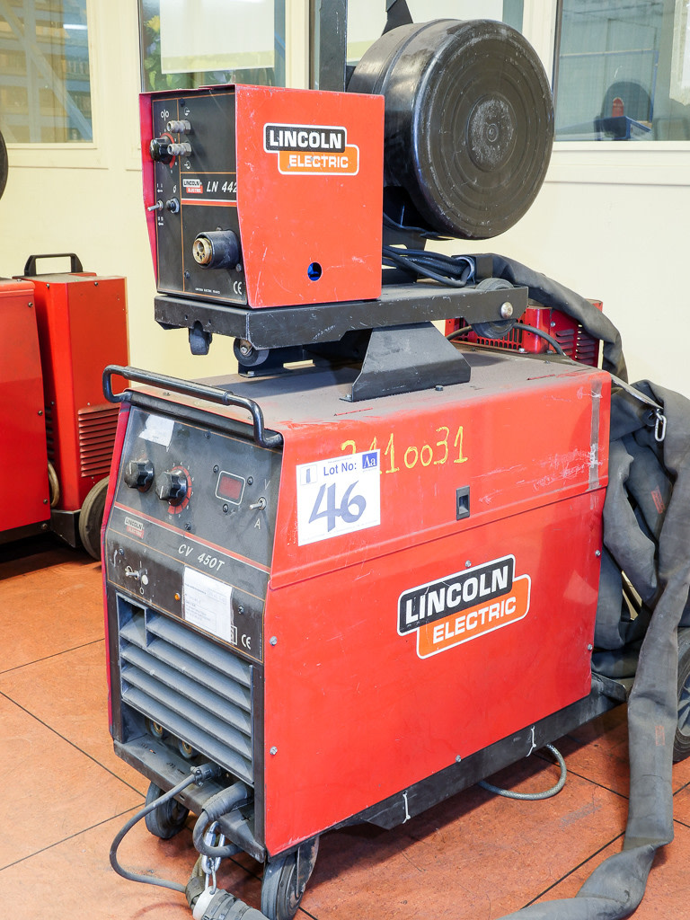 lot 46 lincoln electric cv450t mig welding machine with lincoln ln442 wire feed u0026 lincoln magnum cooling unit