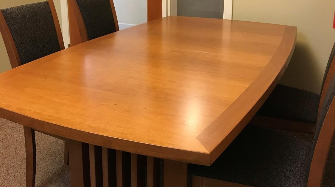 Dining Room Set | Hope18 | Bid Now   ☑ $1250 .