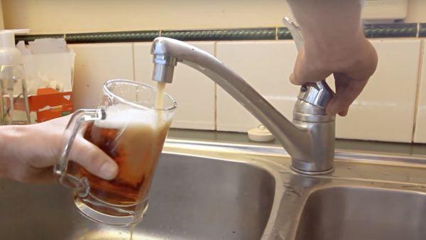 Bierista bier uit de kraan.001