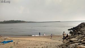 MunakkaKadavu Beach