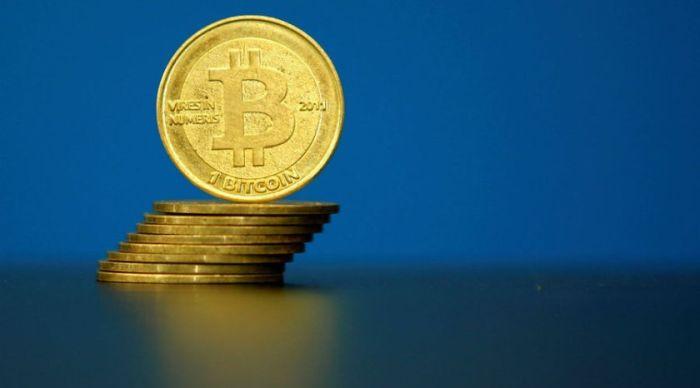 Обзор криптовалютного рынка: курс биткоина опустится до $10 000?