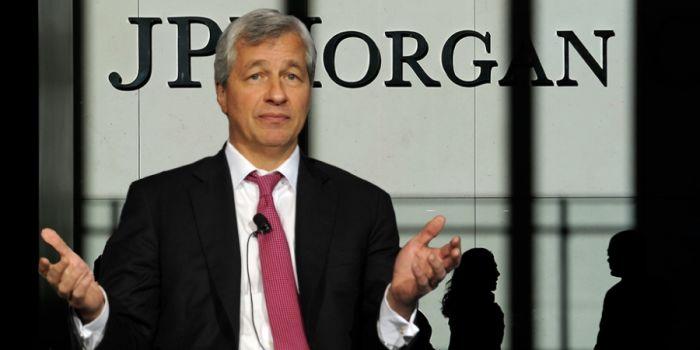 Глава JPMorgan боится криптовалют и угрожает трейдерам увольнением за торговлю биткоином
