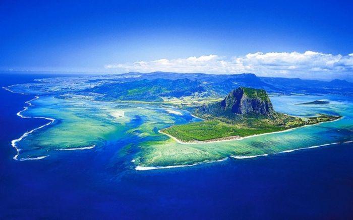 Остров Маврикий предложил выдавать кредиты под залог криптовалют