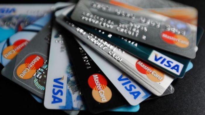 В России владельцев анонимных банковских карт лишат наличных денег