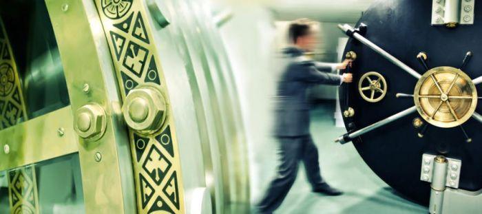 Два крупных российских банка наймут 200 разработчиков в сфере криптовалют