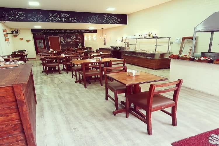 Empresa à venda em Juiz de Fora/MG | Restaurante Self Service no centro da cidade | Foto 1