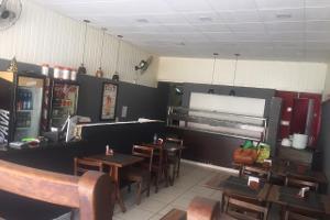 Restaurante Self-Service funcionando, no Méier.