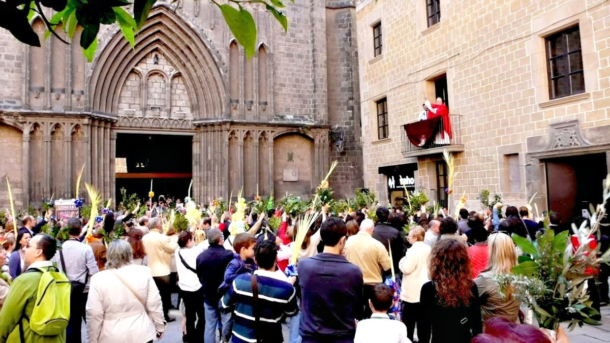Easter week in Barcelona blessing of the Palm branches