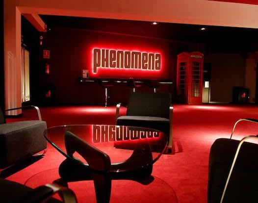 English Cinemas in Barcelona - Phenomena