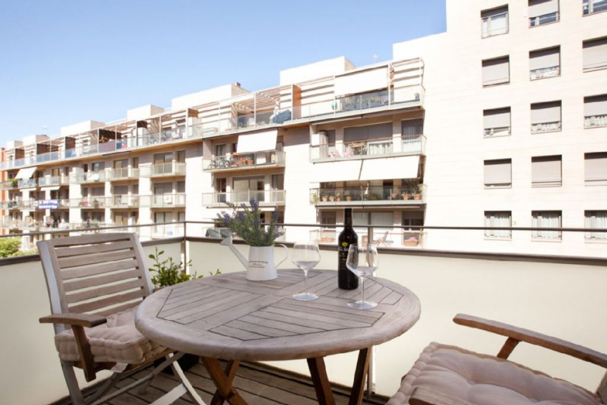 Visit one of our apartments with a terrace in Barcelona
