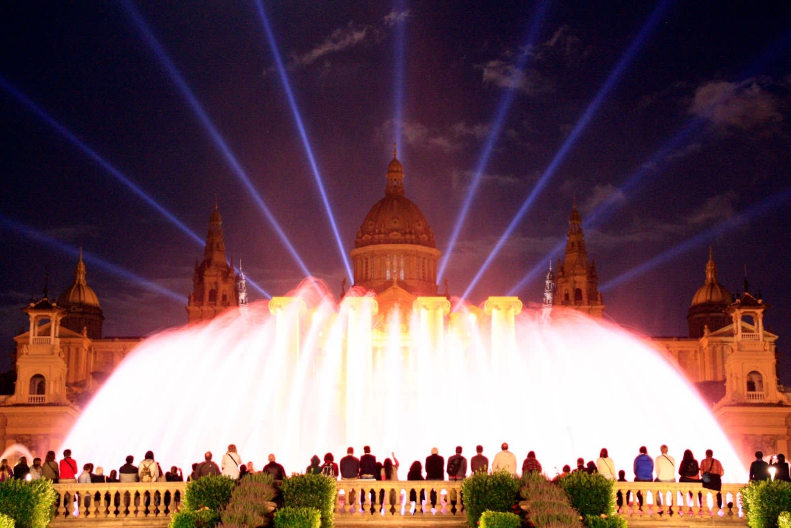 Places to go in Barcelona -Montjuïc Fountain