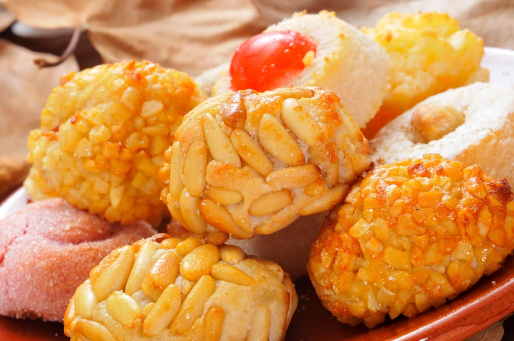 Eat panallets in La Castanyada 2017