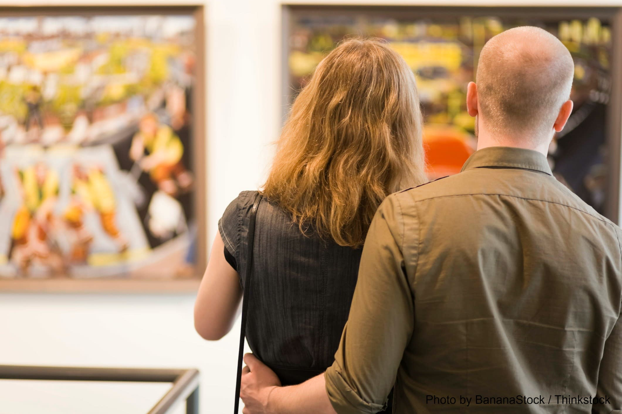 Couple Browsing the Museu Picasso
