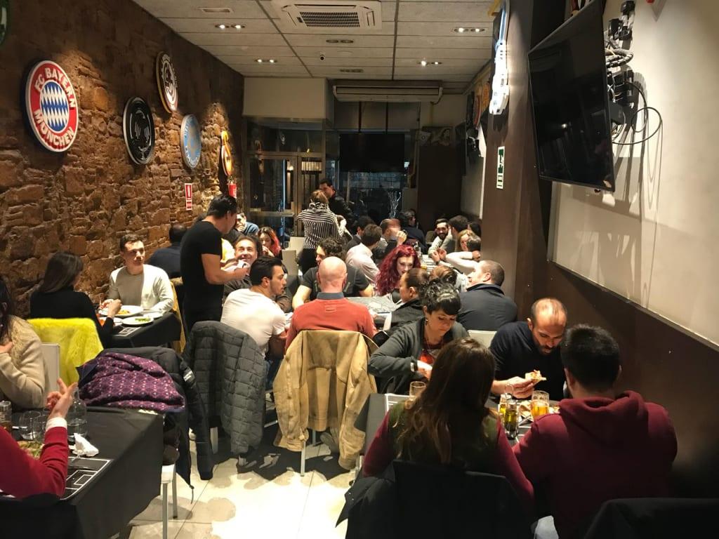 sports bar italian food - sports bar barcelona
