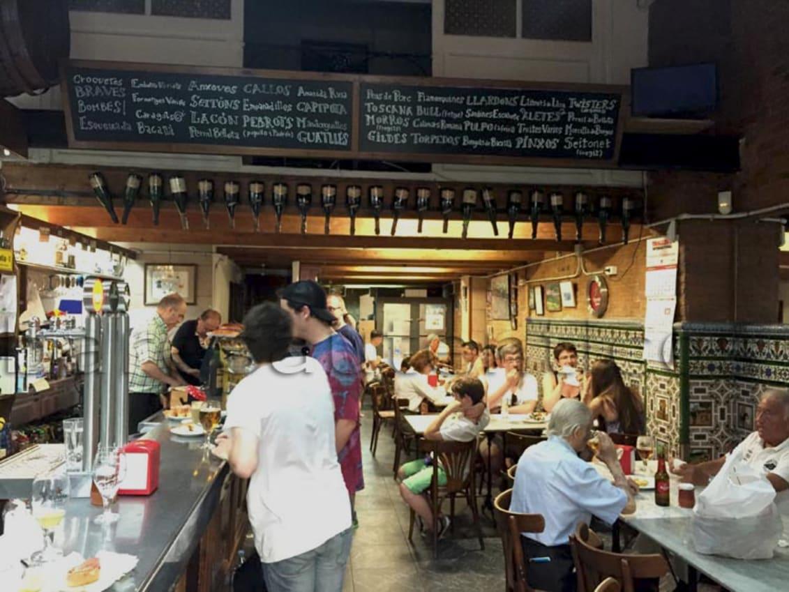 Traditional bars in barcelona - La bodega d'en Rafel
