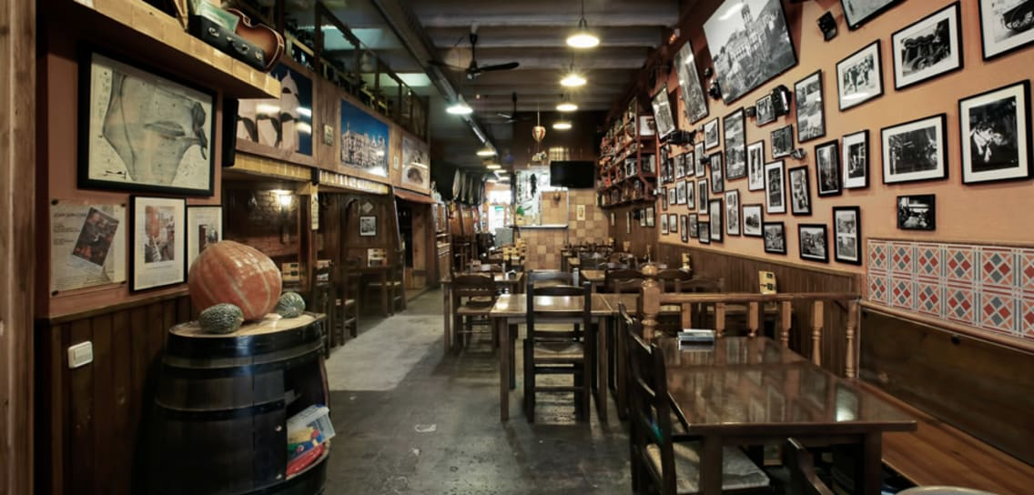 Traditional bars in barcelona - Bodega Padua