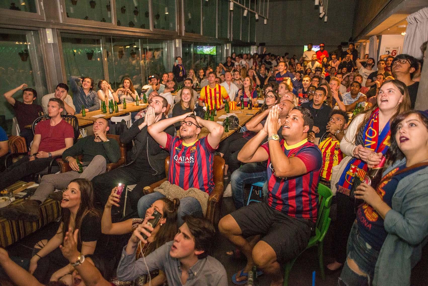 Belushis sports bar barcelona