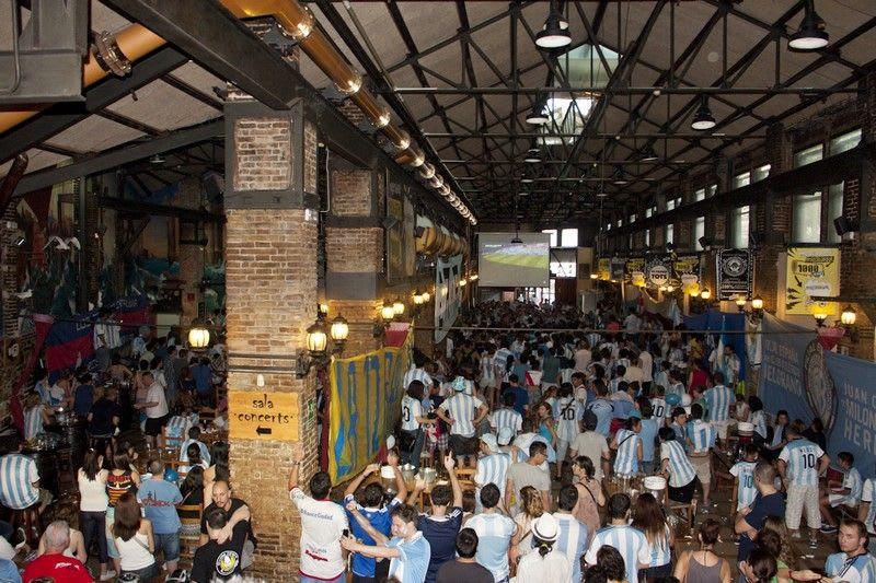 Ovella negra - sports bar barcelona
