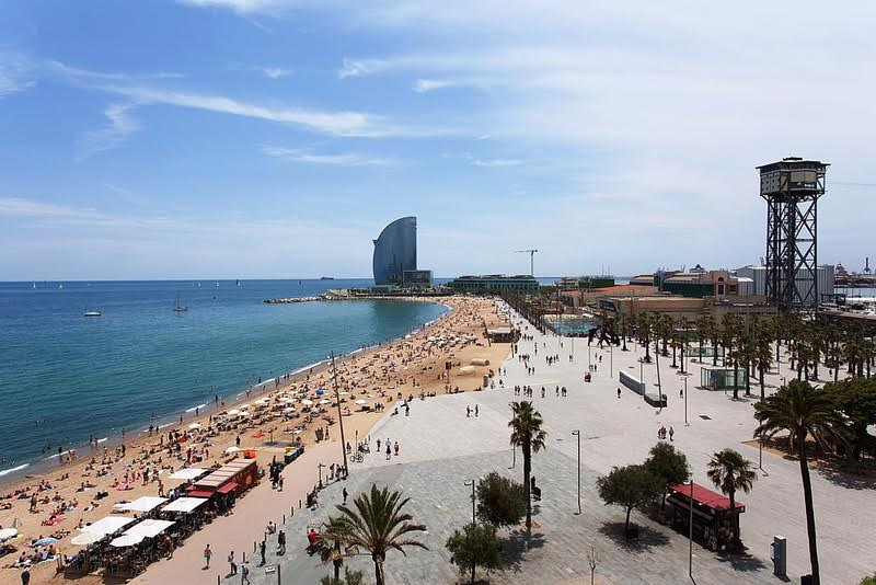 Best area to stay in Barcelona