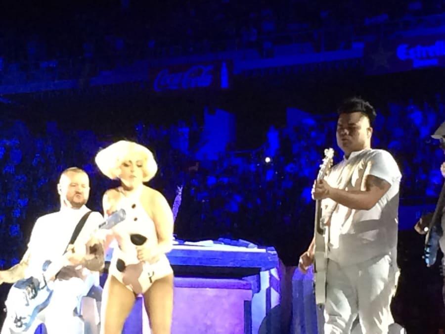 lady gaga art pop tour