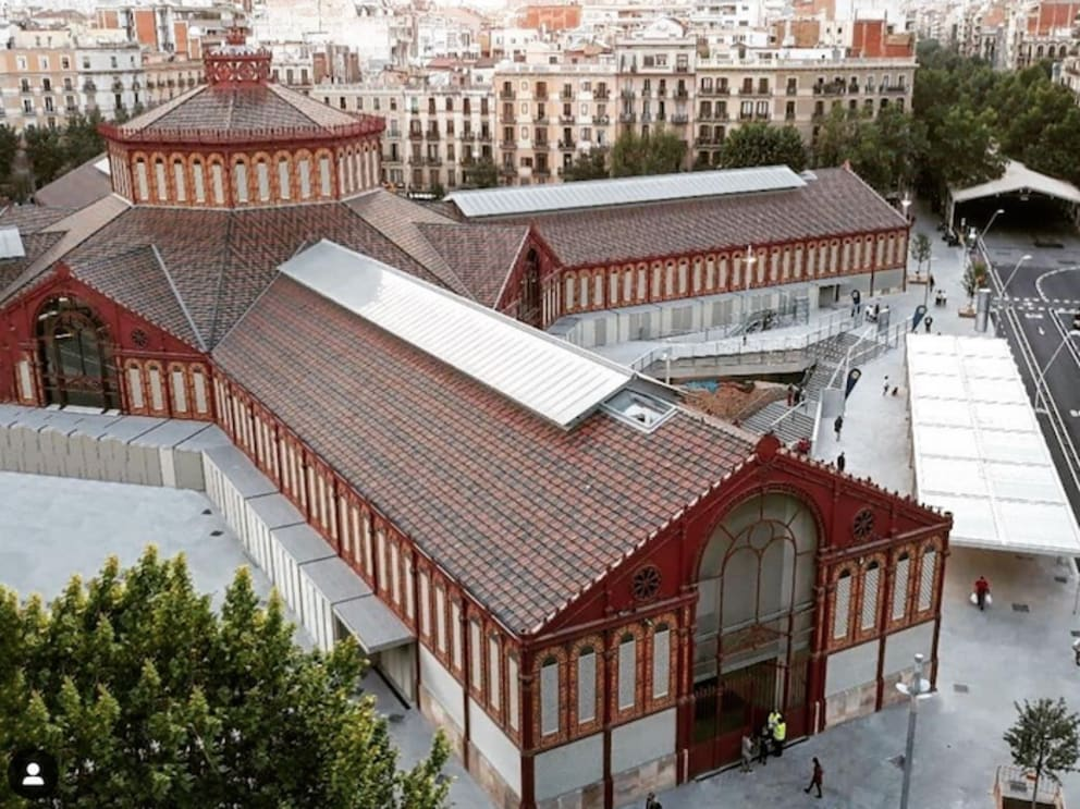EIXAMPLE -THE NEW MERCAT DE SANT ANTONI