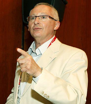 """ד""""ר אלכס קוזאק, נשיא ומנכ""""ל די-פארם"""