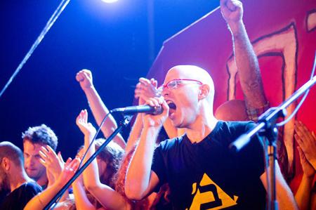 רגב קונטס במהלך המחאה החברתית, קיץ 2011 (צילום: עמית צינמן)