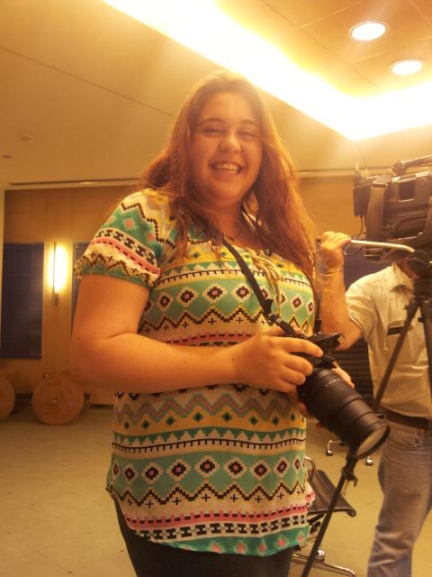 קרן גבאי - הבת של אייל גבאי שבאה לבקשת אביה לצלם